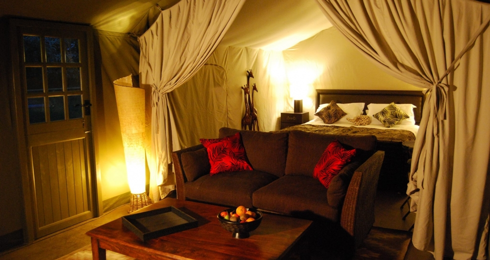 Glamping holidays in Denbighshire, North Wales - Hot Tub Safari