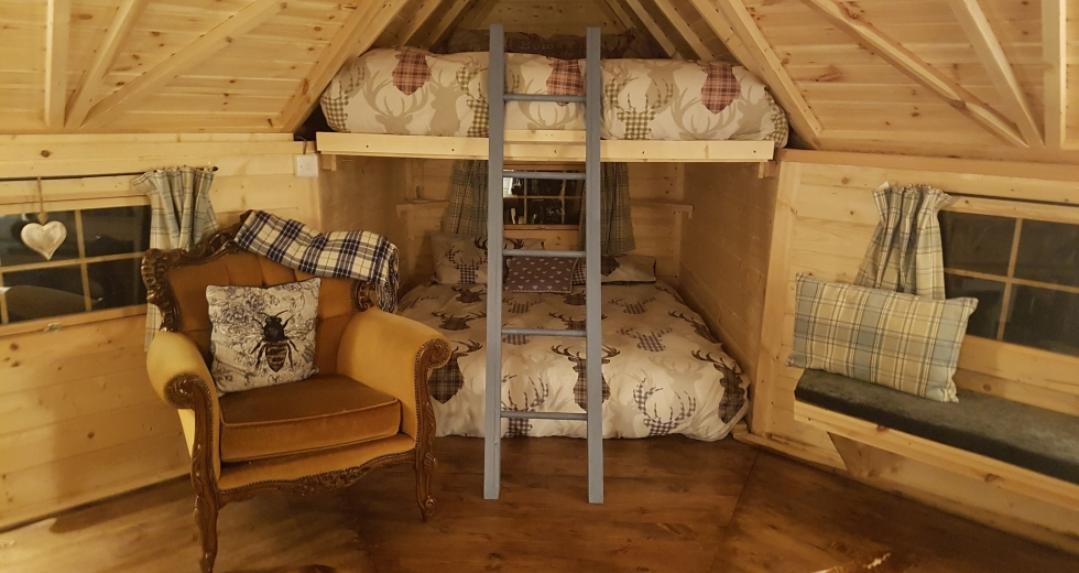 Glamping holidays in the Peak District, Derbyshire, Central England - Cosy Cabin