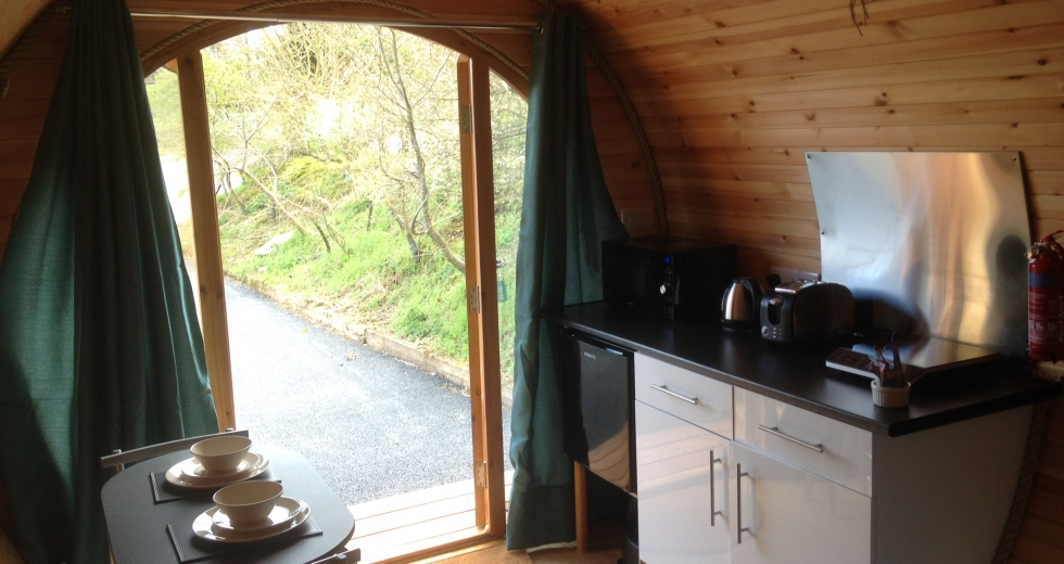 Glamping holidays in the Peak District, Derbyshire, Central England - Knotlow Farm