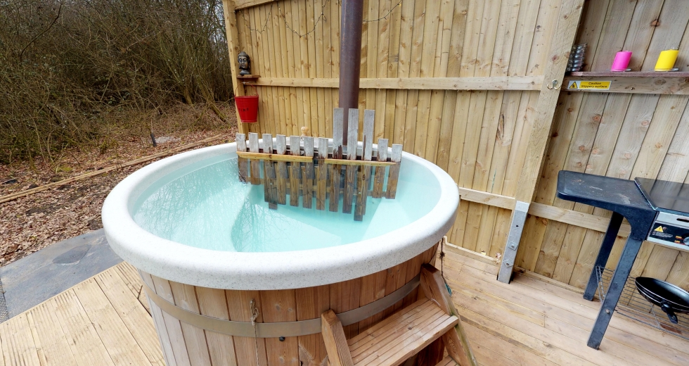 Glamping holidays in Warwickshire, Central England - Toasty Tipis