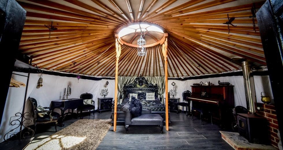 Glamping holidays in Lincolnshire, Central England - Lincoln Yurts