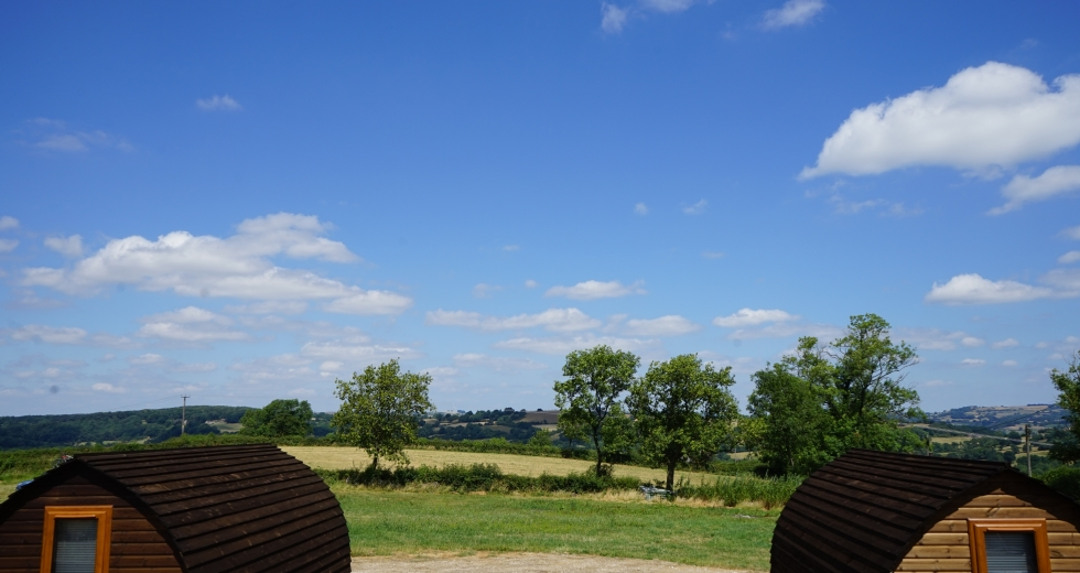 Glamping holidays near the Peak District, Derbyshire, Central England - Poplars Farm