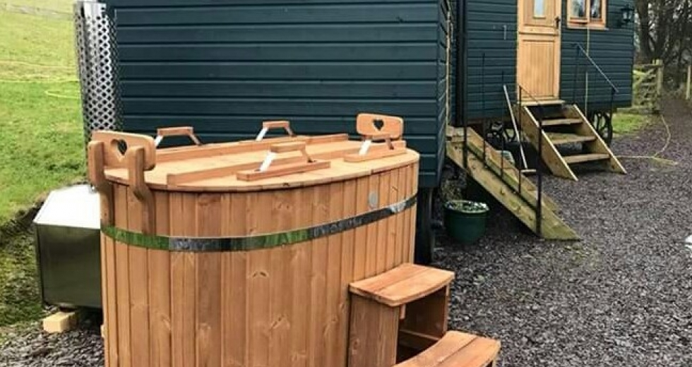 Glamping holidays in Snowdonia, Conwy, North Wales - Siabod Huts