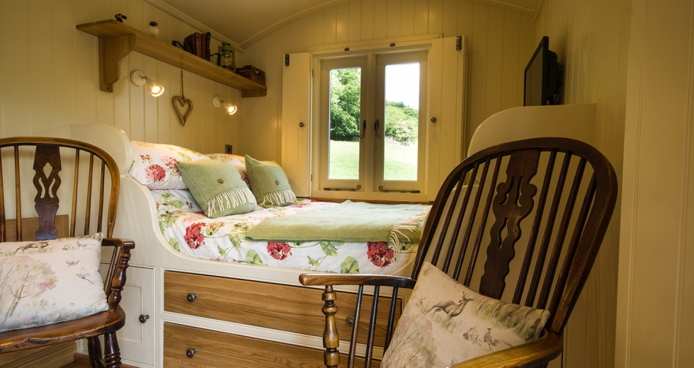 Glamping holidays in the Peak District, Derbyshire - Haddy's Hut