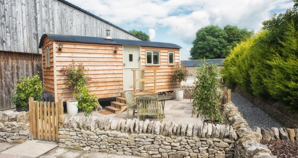 Glamping holidays in the Peak District, Derbyshire, Central England - Brosterfield Farm