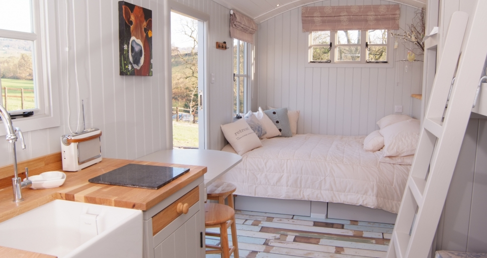 Glamping holidays in Devon, South West England - Knightstone Farm Safari Retreat