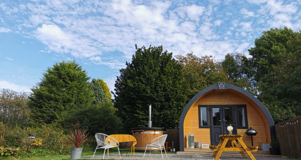 Glamping holidays in The Cotswolds, Gloucestershire, South West England - Hunts Court Huts