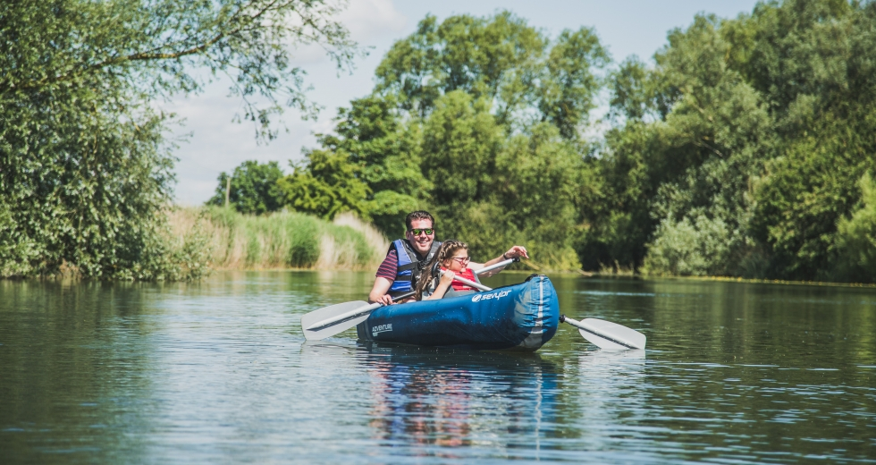 Glamping holidays in East Yorkshire, Northern England - Kingfisher Lakes