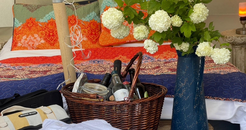 Glamping holidays in Gloucestershire, South West England - Willow Hill