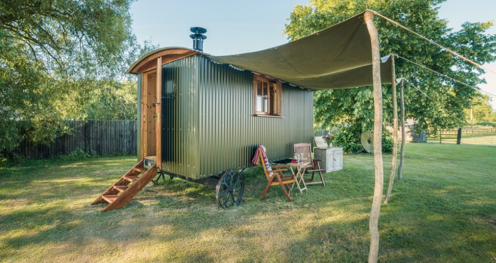 Glamping holidays in Lincolnshire, Central England - Longwool Shepherd Huts