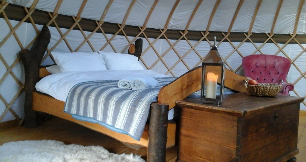 Glamping holidays in Surrey, South East England - Surrey Hills Yurts