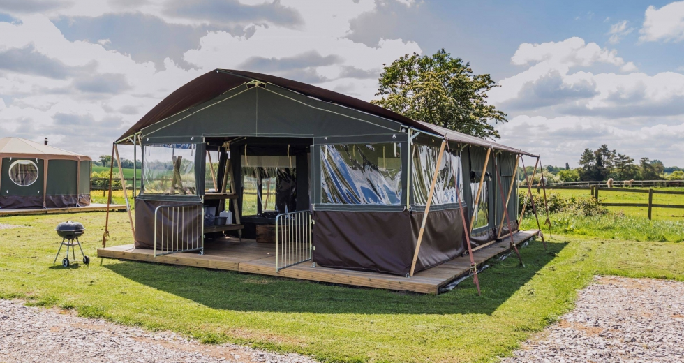 Glamping holidays in Warwickshire, Central England - Mousley House Farm