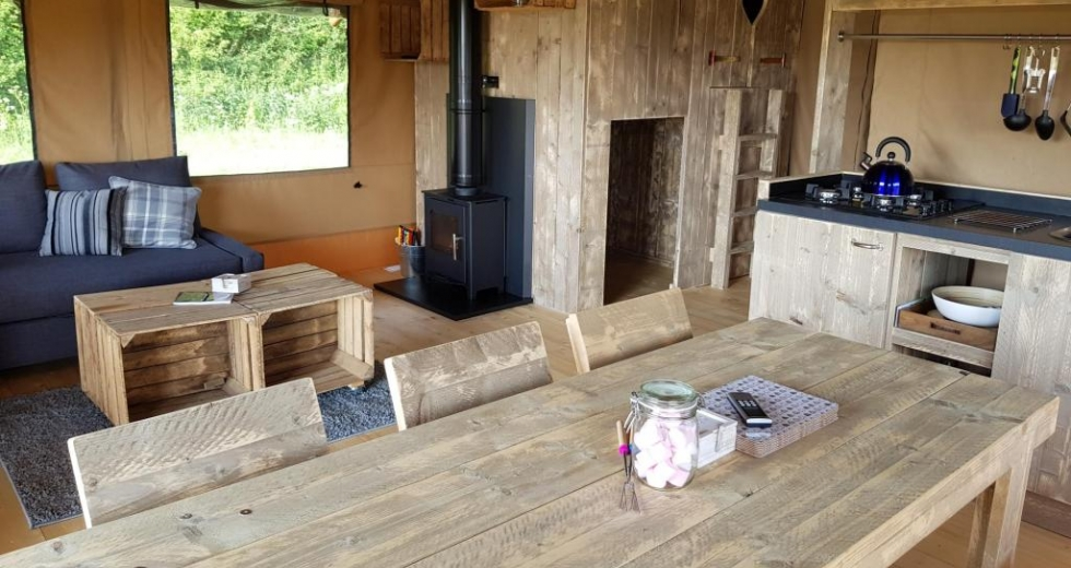 Glamping holidays in Buckinghamshire, South East England - The Old Stone Barn