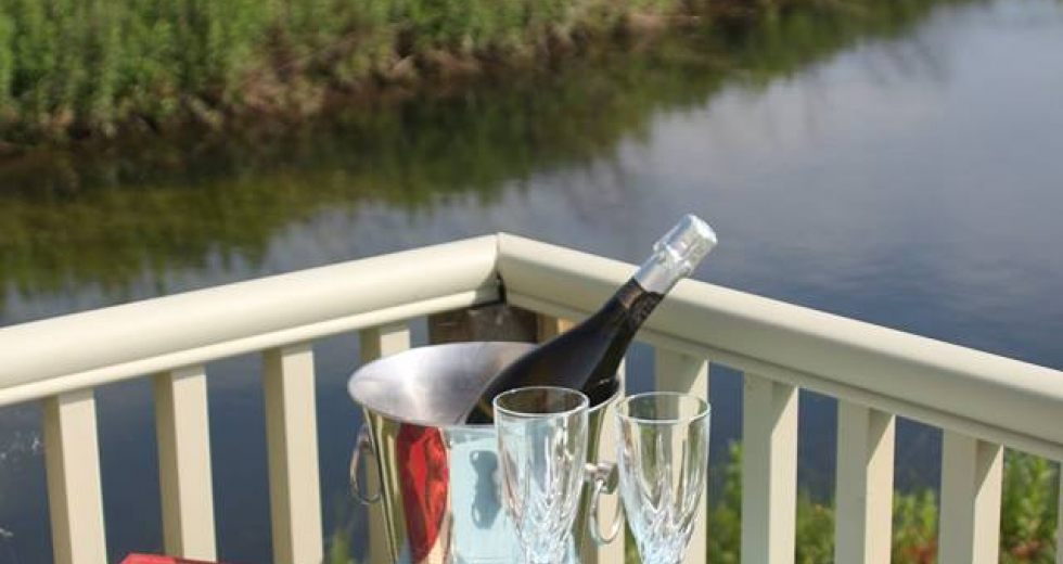 Glamping holidays in Norfolk, Eastern England - Kingfisher Meadows