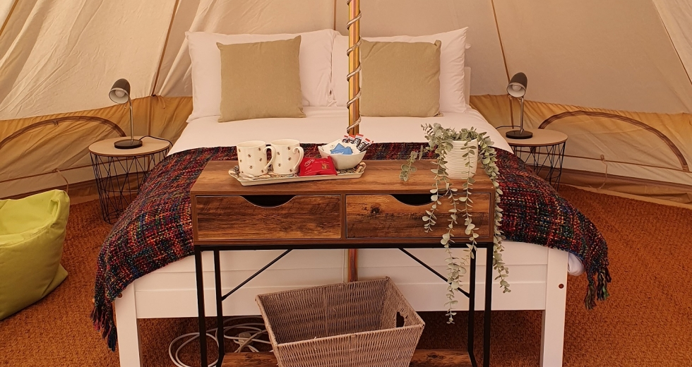Glamping holidays near Norwich in Norfolk, Eastern England - Old College Glamping