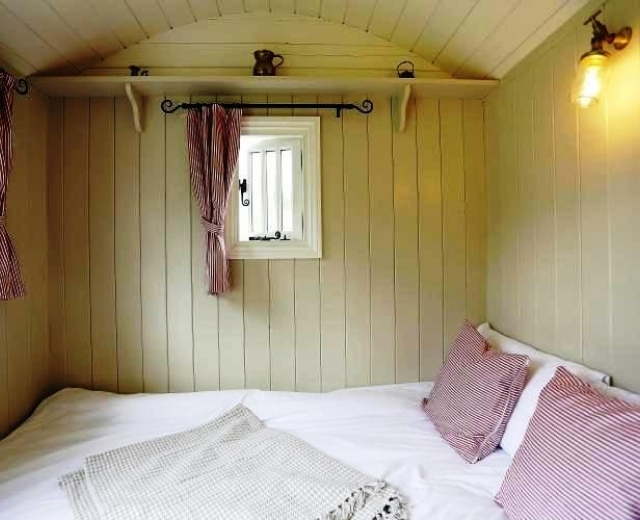 Glamping holidays in Suffolk, Eastern England - Boundary Farm Shepherd Huts