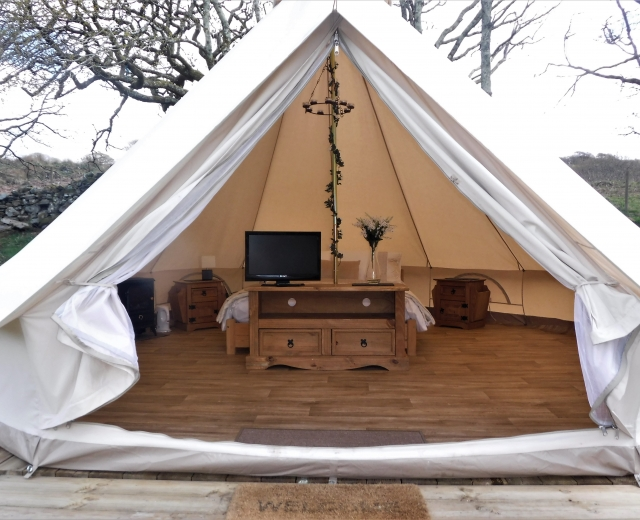 Glamping holidays in Snowdonia, North Wales - Hideaway In The Hills