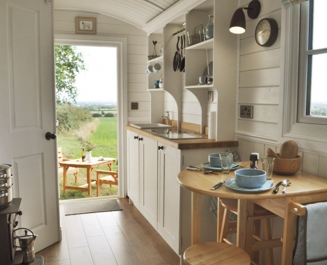 Glamping holidays in Oxfordshire, South East England - Hill View Farm