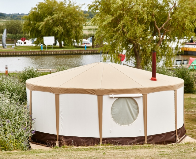Glamping holidays in Norfolk, Eastern England - Waveney River Centre