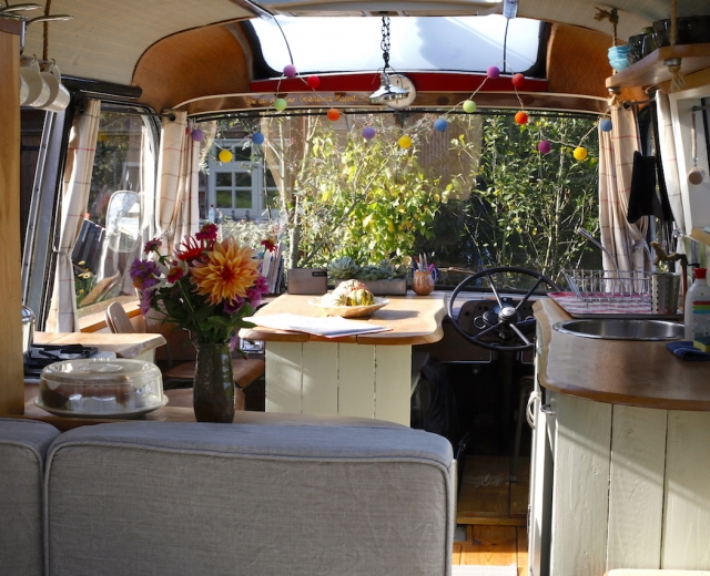 Glamping holidays in Herefordshire, Central England - Majestic Bus