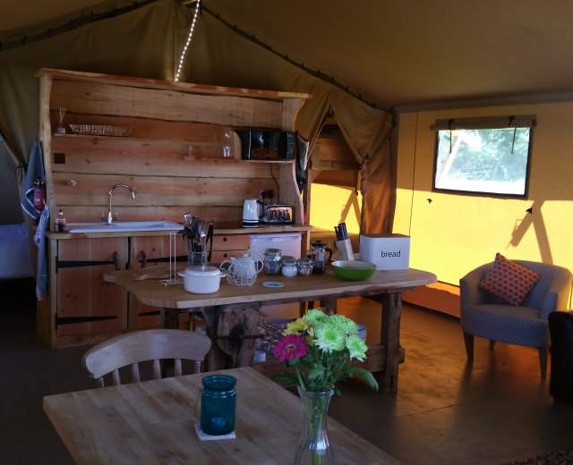Glamping holidays in the Cotswolds, Oxfordshire, South East England - Campfires & Stars