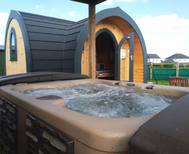 Glamping holidays in Ceredigion, Mid Wales - Pili Pala Pod Glamping