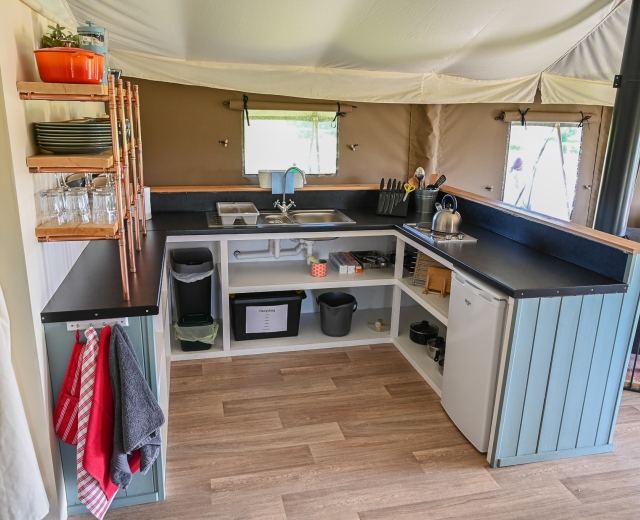 Glamping holidays in Devon, South West England - Midleydown Luxury Glamping