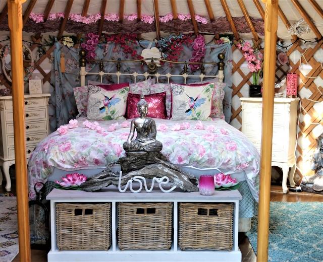 Glamping holidays in Essex, Eastern England - Lakeland Yurts