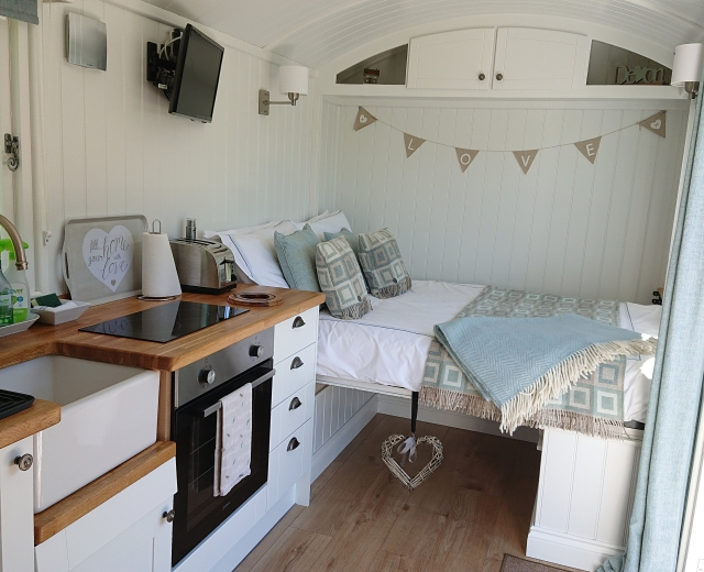 Glamping holidays in North Devon, South West England - Keepers Watch