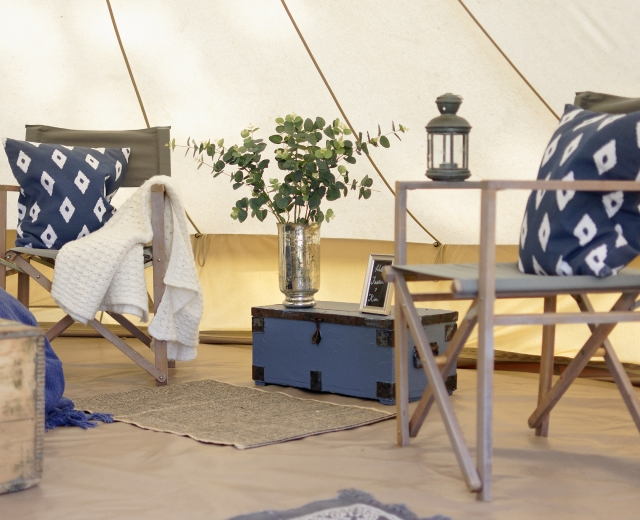 Glamping holidays in Surrey, South East England - Springbok Farm Estate