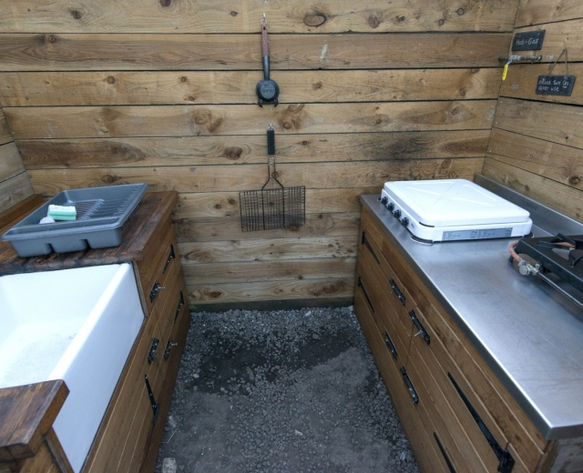 Glamping holidays in the Peak District, Derbyshire, Central England - Mulino Pods