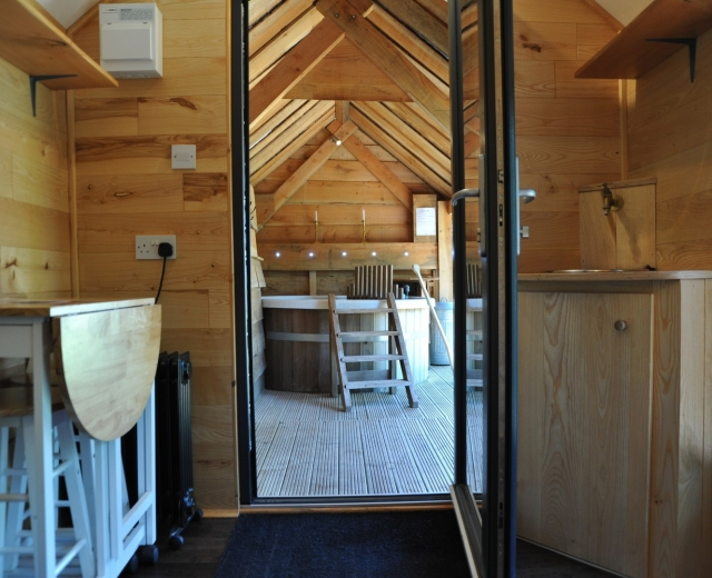 Glamping holidays in Lincolnshire, Central England - Tinywood Homes