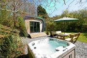 Glamping holidays in Devon, South West England - Sunridge Cubes