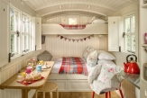 Glamping holidays near York in North Yorkshire, Northern England - Snug Huts at Wolds Edge